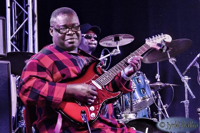 Dekula ou le Roi de la guitare congolaise en Scandinavie