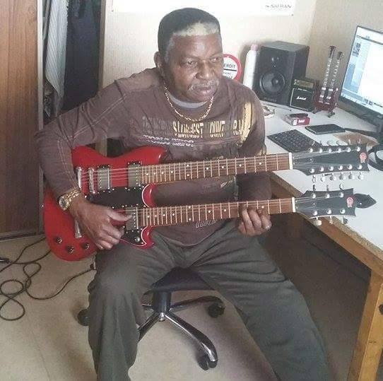Bongo WENDE : « Je continue à jouer à la guitare qui est ma véritable passion »